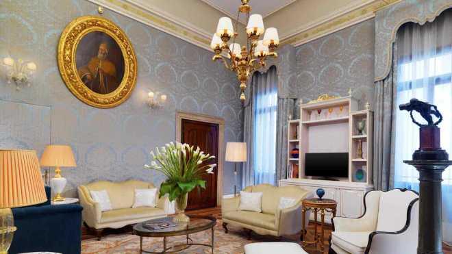 Hotel_Danieli_Dandolo_Suite1600x900