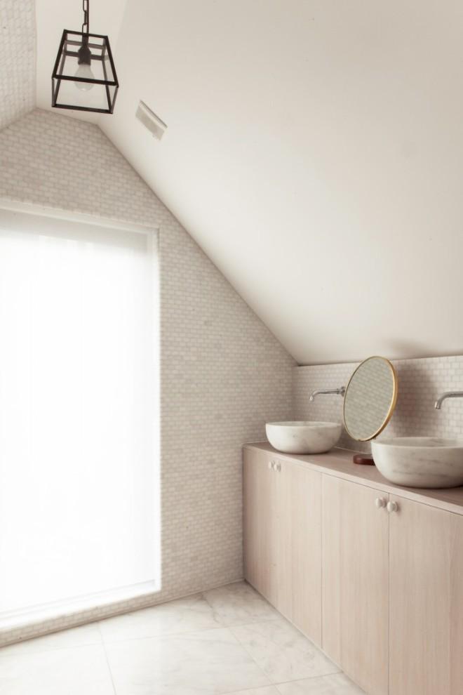 Herrringbone-House-Bathroom-Atelier-Chan-Chan-London-Thomas-Giddings-Photographs-Remodelista