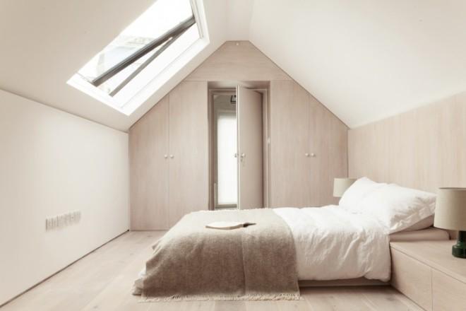 Herrringbone-House-Bedroom-Atelier-Chan-Chan-London-Mike-Tsang-Photographs-Remodelista