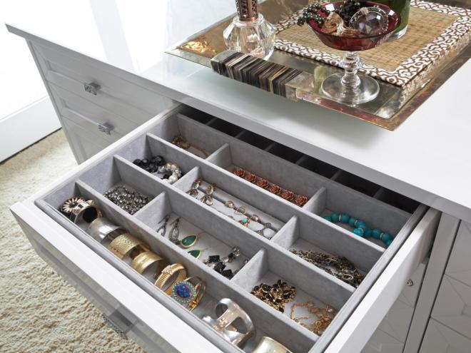 Original_LA-Closet-Design-closet-jewelry-organizer_s4x3.jpg.rend.hgtvcom.1280.960