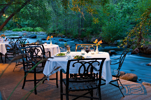 lauberge-creekside-dining