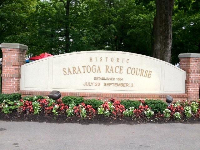 saratoga-entrance