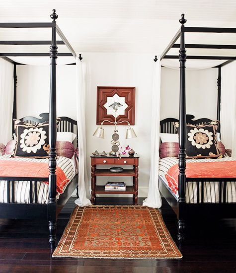 Twin bed guest room southendstyle for Twin bed interior design