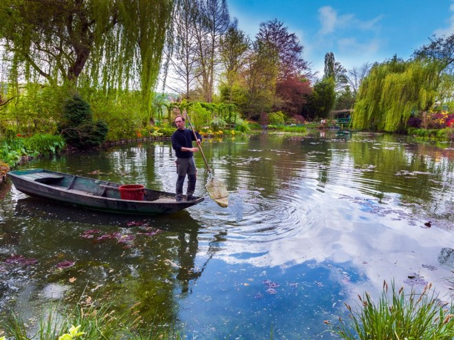 monet-giverny-france-gardens-tim-gartside-travel-alamy.jpg